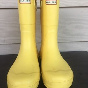 Hunter yellow rain boots